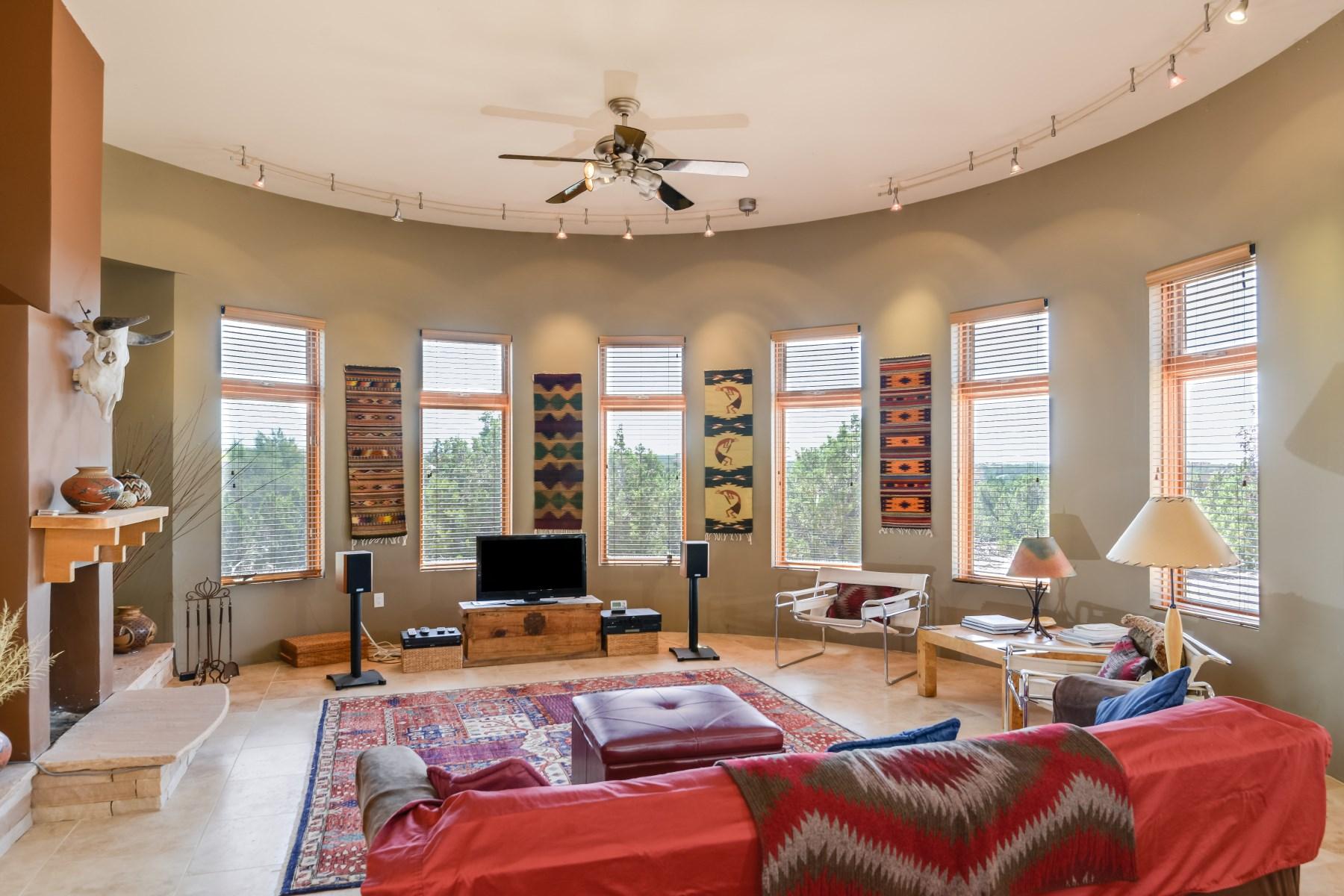 Maison unifamiliale pour l Vente à 10 Vista De La Vida Northwest Of City Limits, Santa Fe, New Mexico 87506 États-Unis