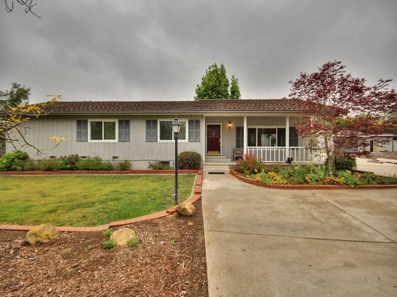 Maison unifamiliale pour l Vente à Montecito Home in Prime Location 120 Tiburon Bay Lane Montecito - Lower Village, Montecito, Californie 93108 États-Unis