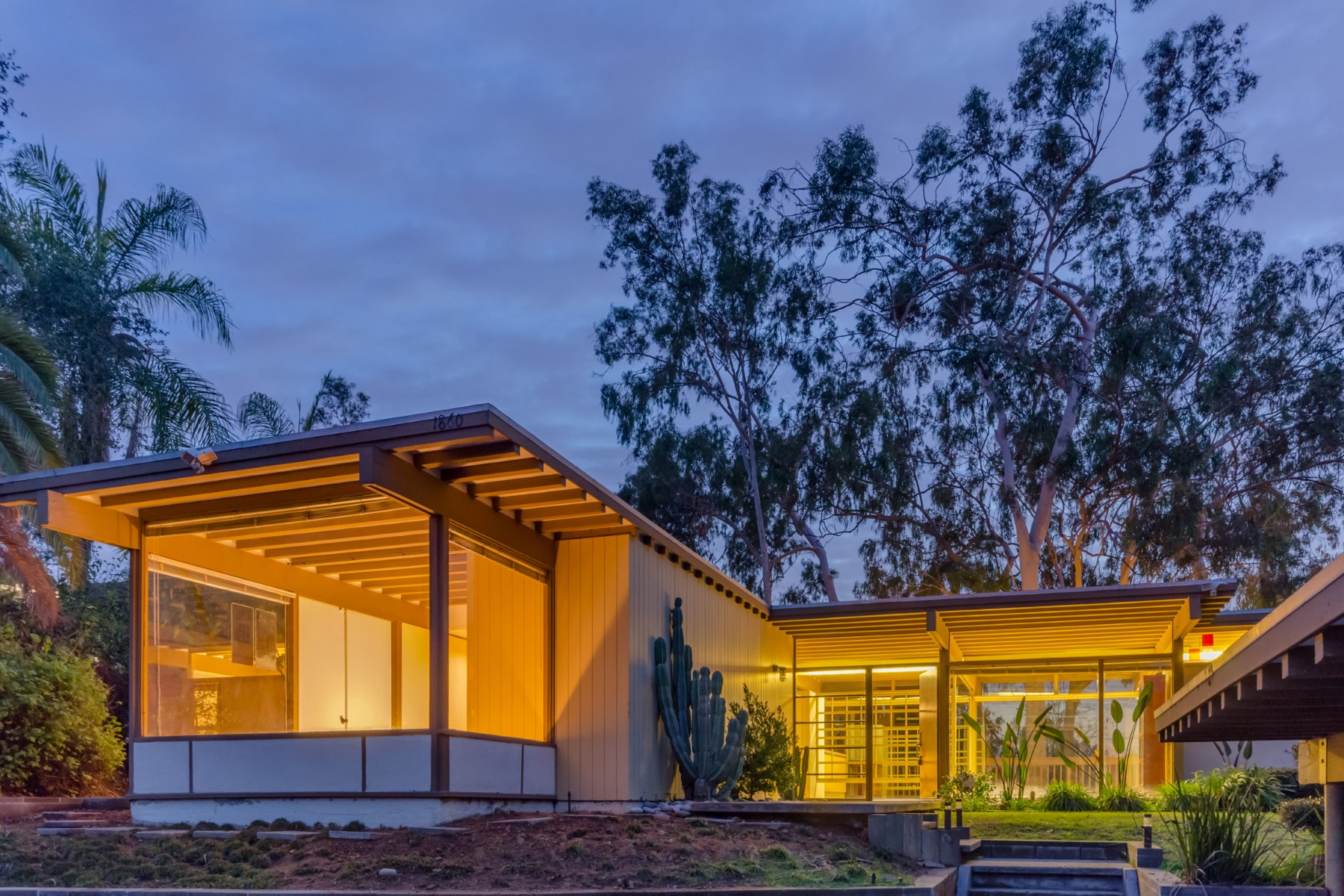 獨棟家庭住宅 為 出售 在 1860 Oak Tree Drive Eagle Rock, Los Angeles, 加利福尼亞州, 90041 美國