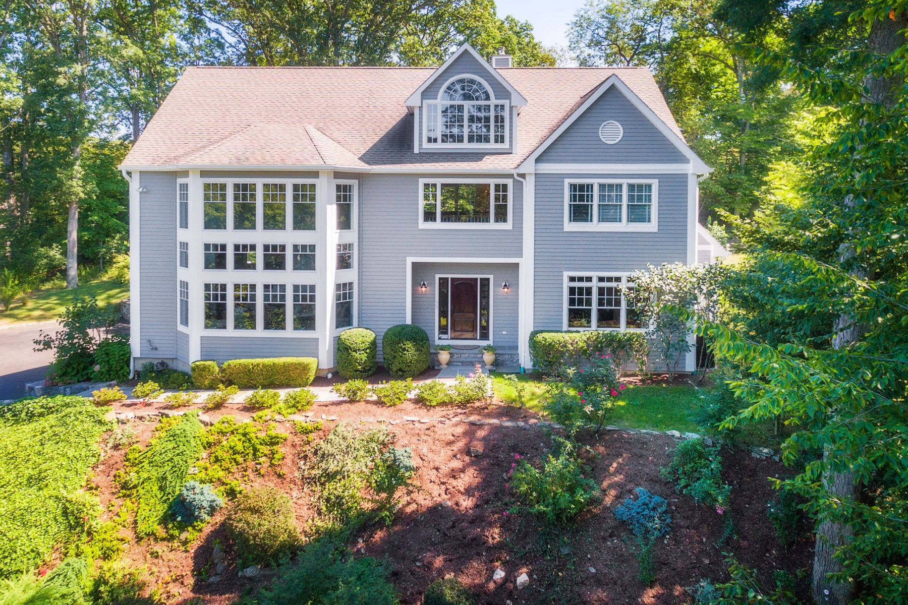 Single Family Home for Sale at Riverside Acres 28 Loading Rock Road Riverside, Connecticut 06878 United States
