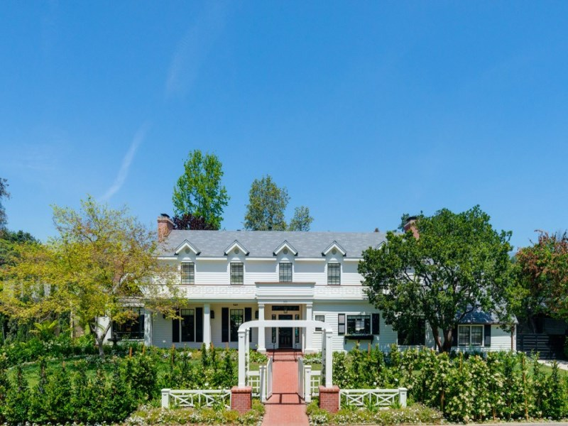 独户住宅 为 销售 在 New Langham Area Traditional 905 Hillcrest Place Pasadena, 加利福尼亚州 91106 美国