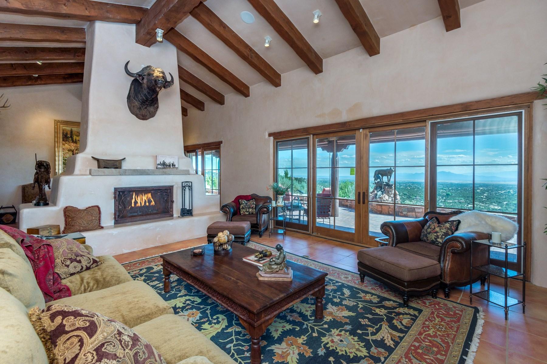 Maison unifamiliale pour l Vente à 36 La Ventana Drive Eldorado, Santa Fe, New Mexico, 87508 États-Unis