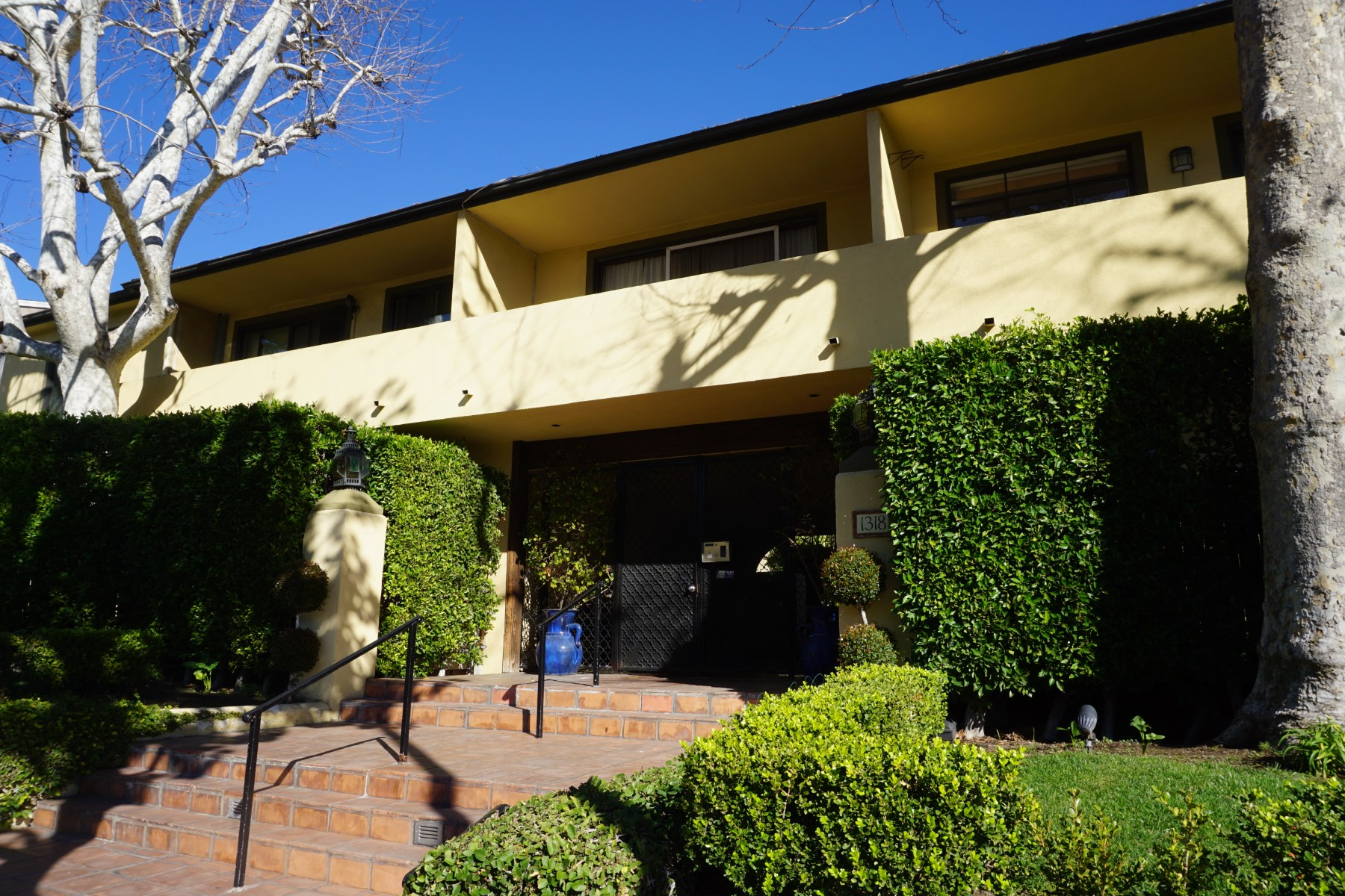 sales property at Charming 2 bedroom Condo -West Hollywood