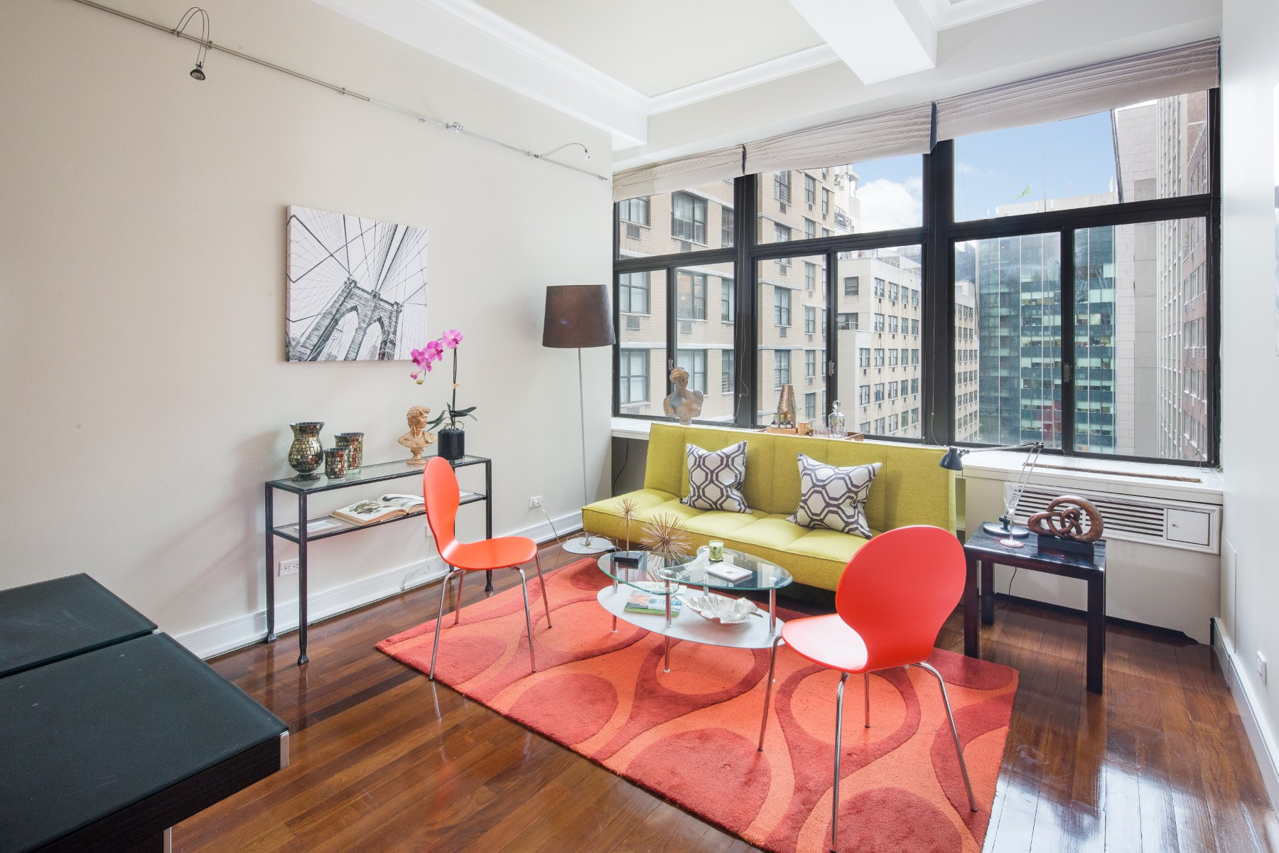 Apartamento por un Venta en Architectural Loft of Substance 310 East 46th Street Apt 7K Midtown East, New York, Nueva York, 10017 Estados Unidos