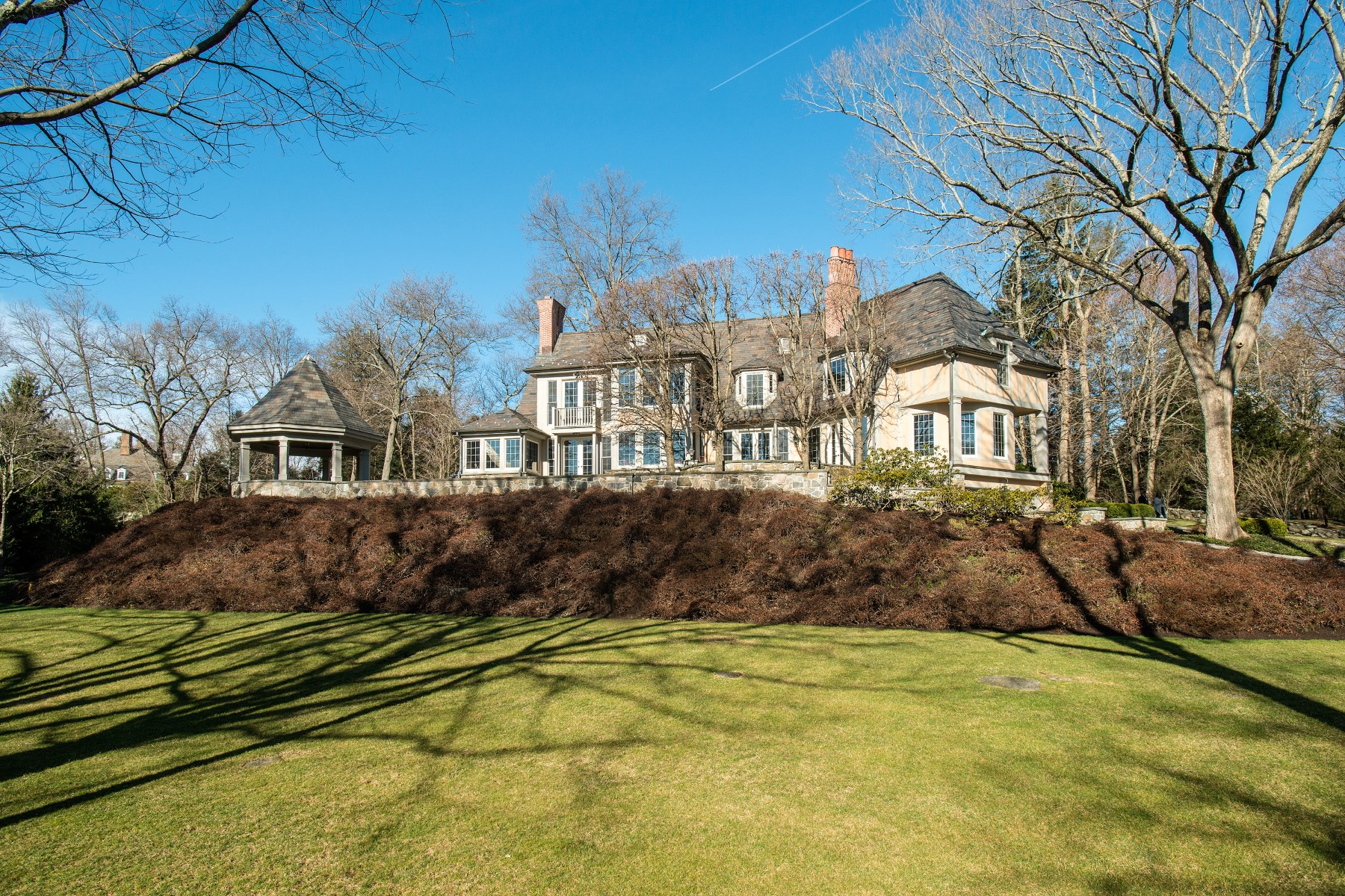 Single Family Home for Sale at 672 Lake Avenue, Greenwich CT South Of Parkway, Greenwich, Connecticut, 06830 United States