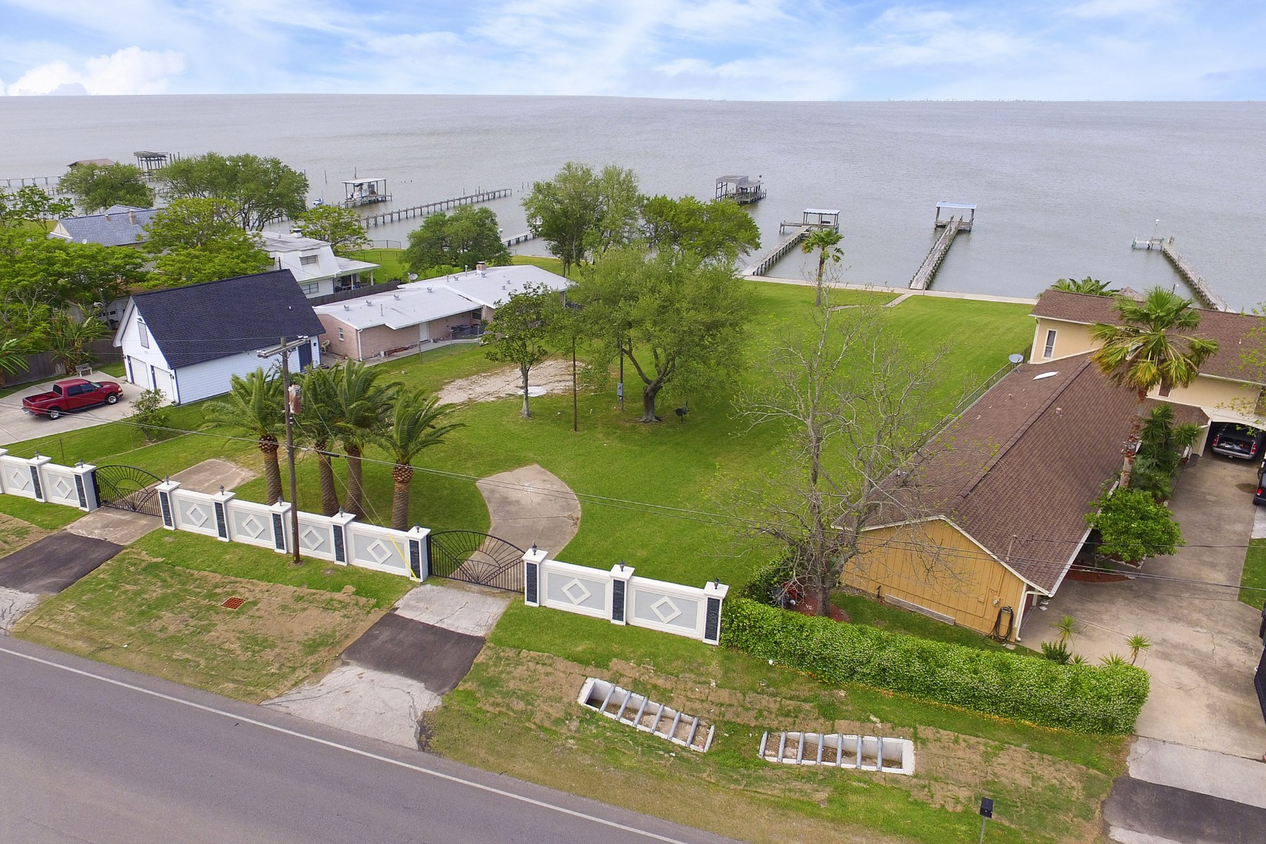 Land for Sale at 5027 W Bayshore Drive Bacliff, Texas, 77518 United States