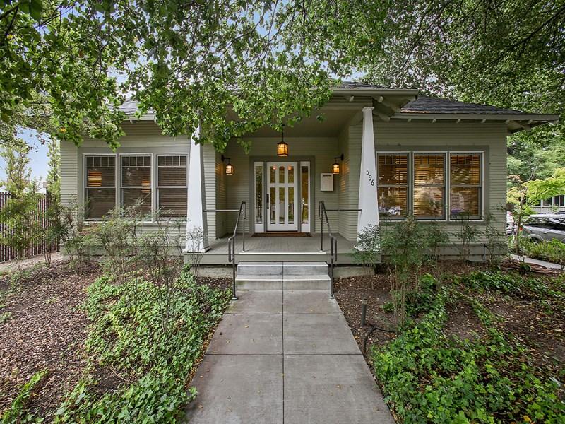 Частный односемейный дом для того Продажа на Stylish and Sophisticated Craftsman 596 1st St E Sonoma, Калифорния 95476 Соединенные Штаты