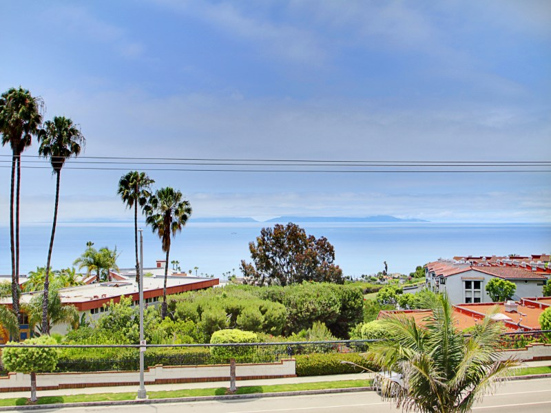 Property For Sale at Amazing Ocean/Catalina Views