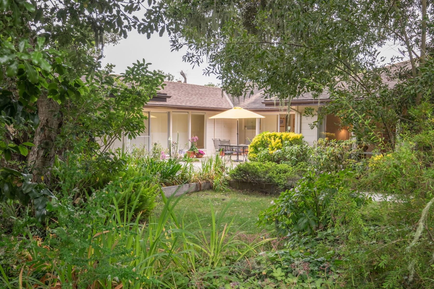 Tek Ailelik Ev için Satış at Carmel Hills Single Family Home 25017 Valley Pl Carmel, Kaliforniya, 93923 Amerika Birleşik Devletleri