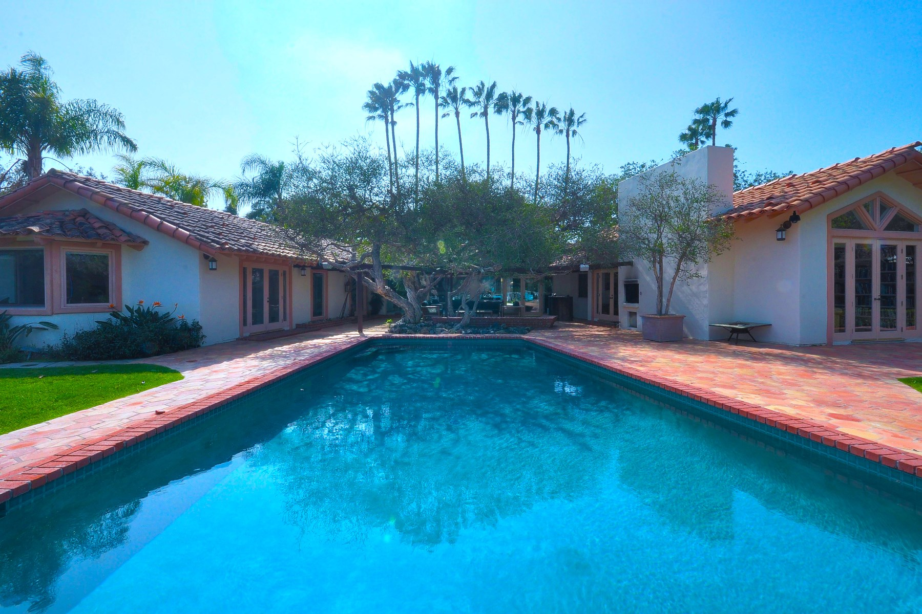 Single Family Home for Sale at Point Dume Gated Estate Malibu, California 90265 United States