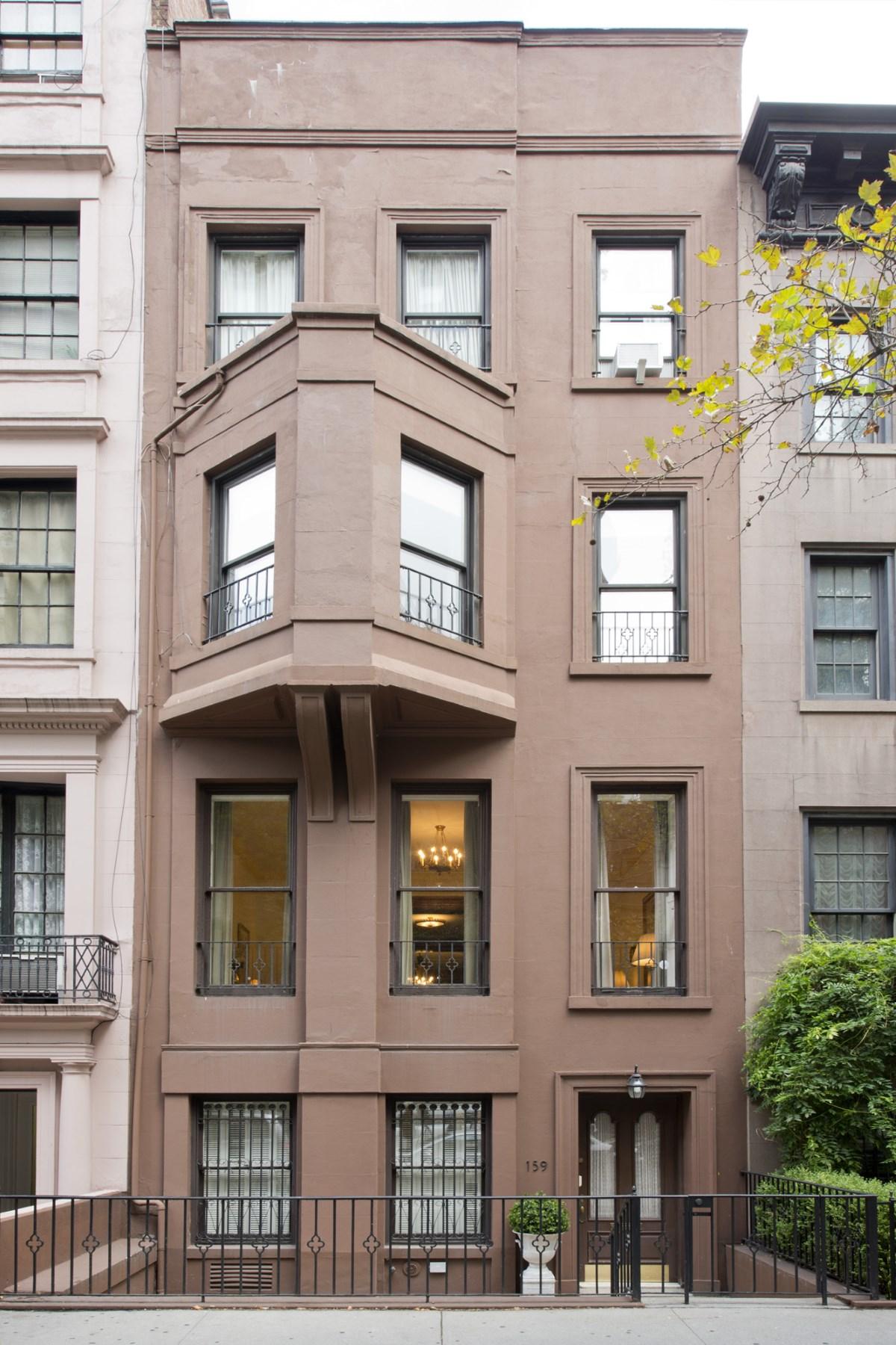 rentals property at Gracious Townhouse Living