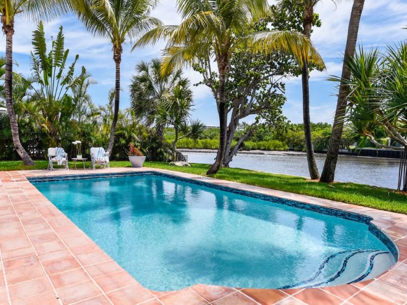 Casa para uma família para Venda às Waterfront Mid Century Modern 2259 Ibis Isle Rd E Palm Beach, Florida 33480 Estados Unidos