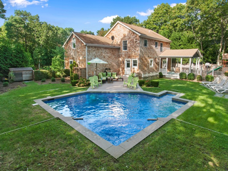 Single Family Home for Sale at Pristine Traditional in East Hampton 12 Bay View Avenue East Hampton, New York 11937 United States
