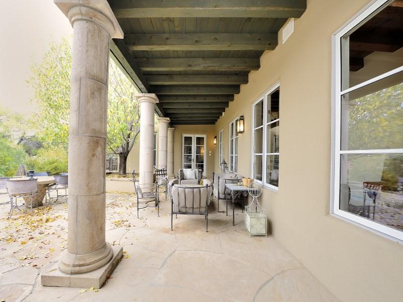 Maison unifamiliale pour l Vente à 635 Caminito del Sol Santa Fe City Southeast, Santa Fe, New Mexico 87505 États-Unis
