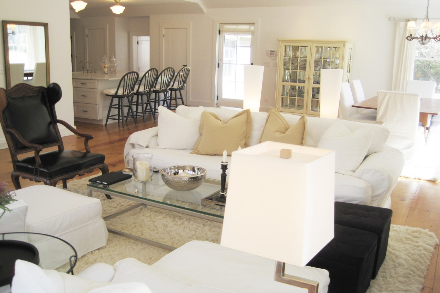 Property Of Hamptons Chic - Minutes to Beach