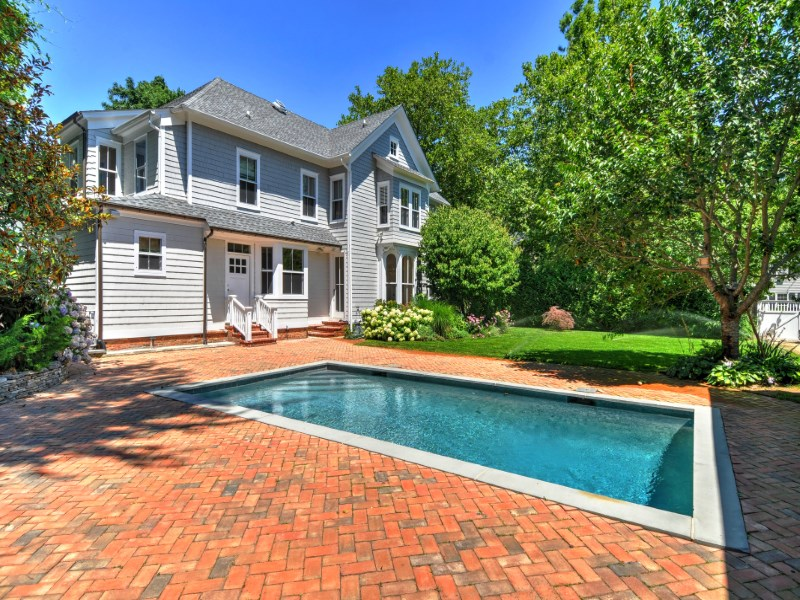Villa per Vendita alle ore Sag Harbor Village Gem 150 Madison Street Sag Harbor Village, Sag Harbor, New York 11963 Stati Uniti