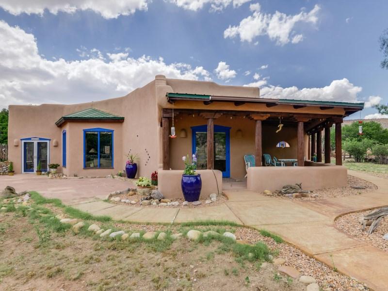 Nhà ở một gia đình vì Bán tại Blue Angel Canyon Abiquiu, New Mexico 87510 Hoa Kỳ