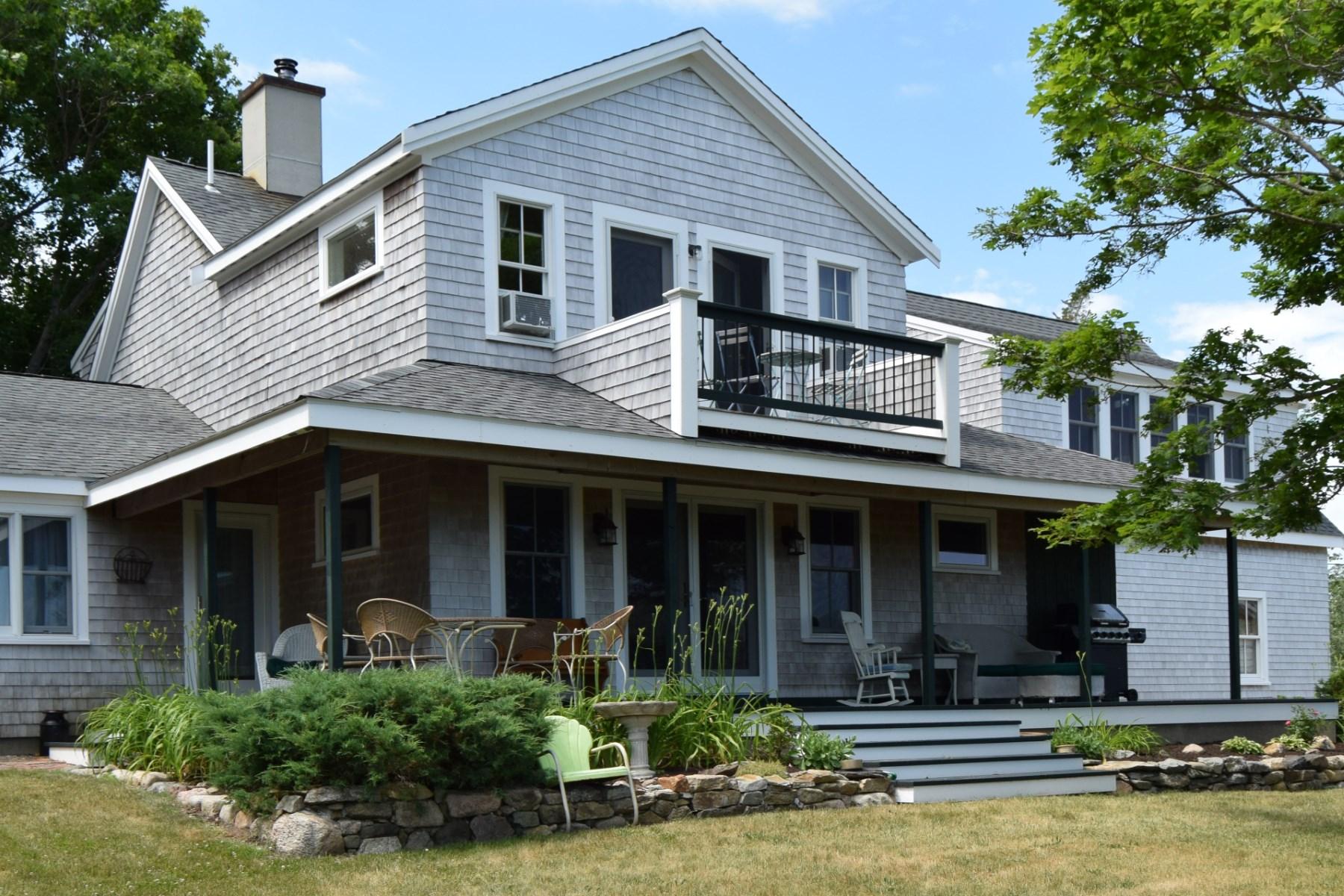 Einfamilienhaus für Verkauf beim Village Home with Views 18 Dewey Avenue Sandwich, Massachusetts, 02563 Vereinigte Staaten