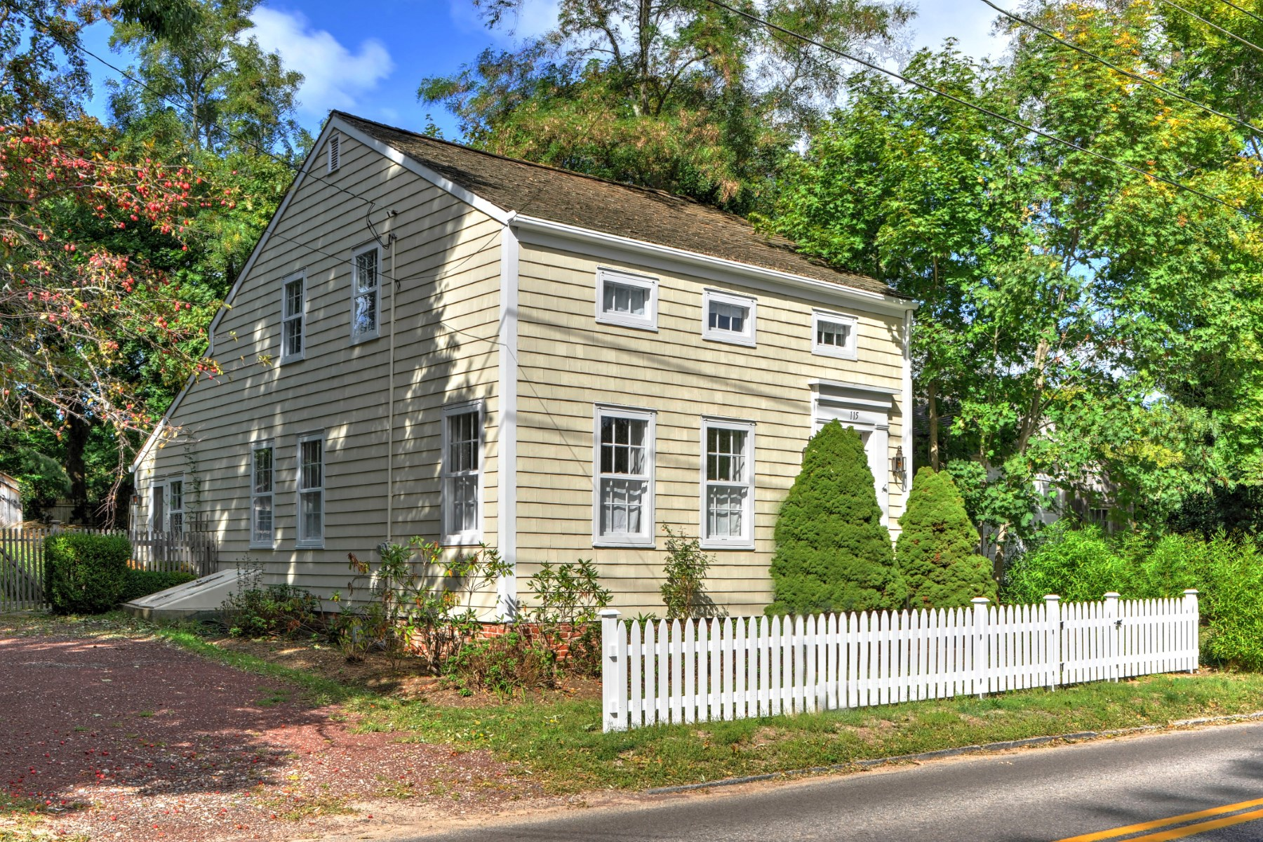 Single Family Home for Sale at Sag Harbor Village Antique 115 Jermain Avenue Sag Harbor, New York, 11963 United States