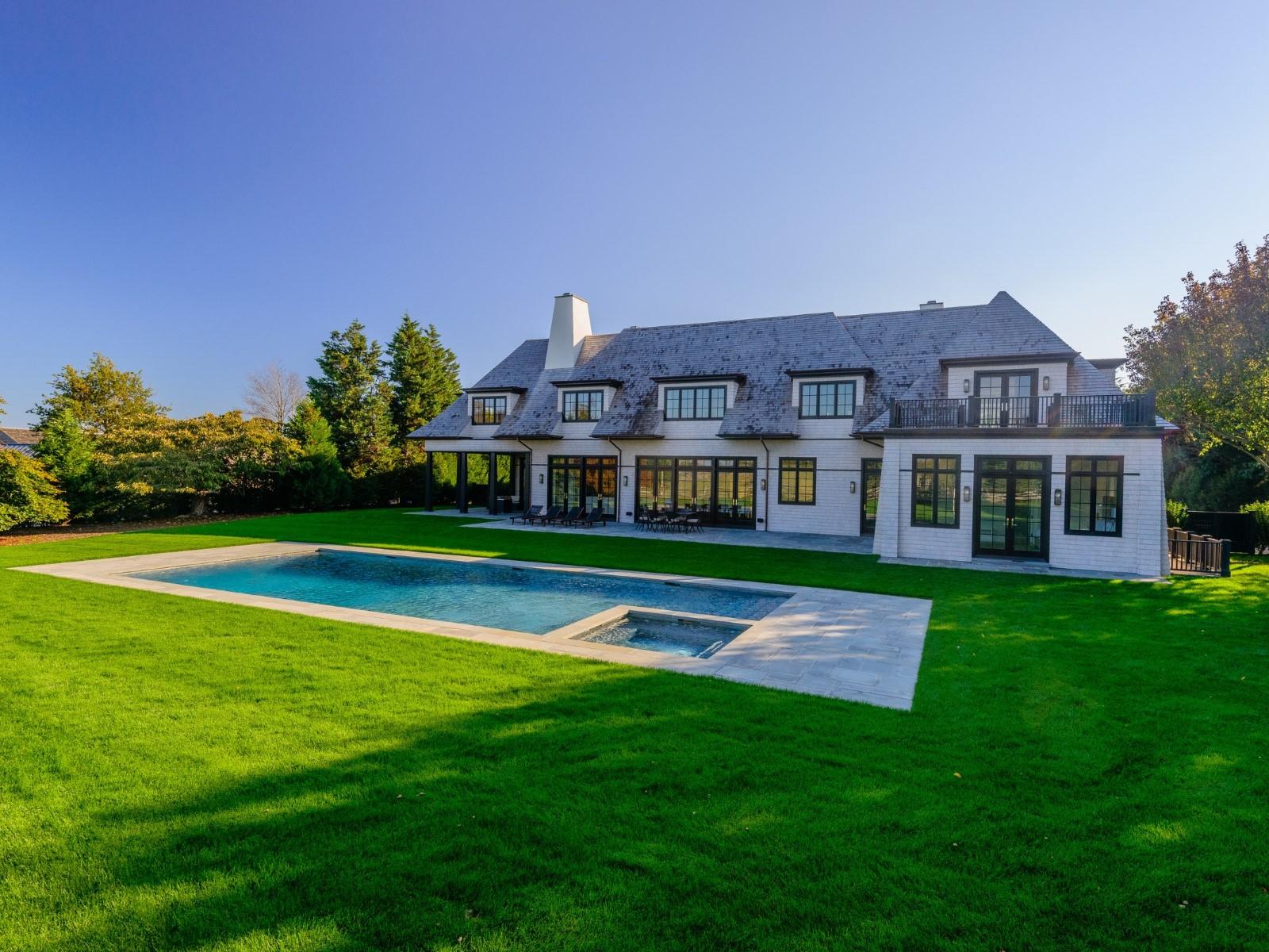 Einfamilienhaus für Verkauf beim Exceptional New Estate, Horse Farm Views Bridgehampton South, Bridgehampton, New York 11932 Vereinigte Staaten