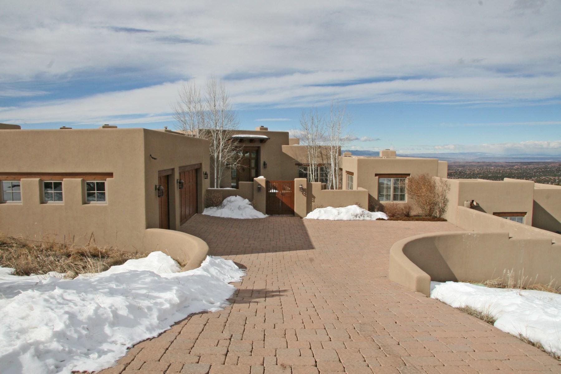 Maison unifamiliale pour l Vente à 3 Juan De Gabaldon Trail Santa Fe, New Mexico 87506 États-Unis