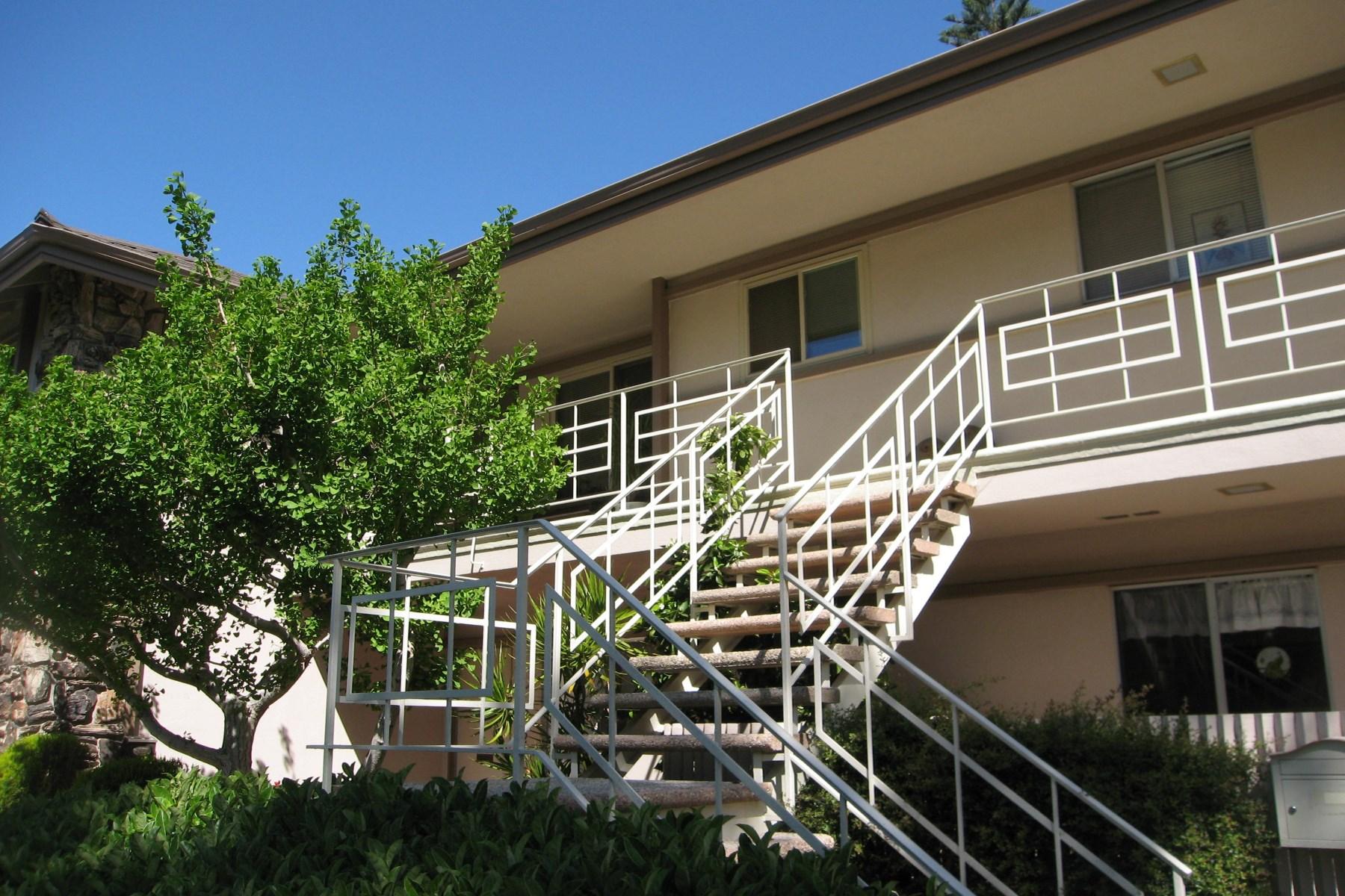 Piso por un Venta en Golf Course Location 216 Moreton Bay Lane Unit 5 Goleta, California 93117 Estados Unidos