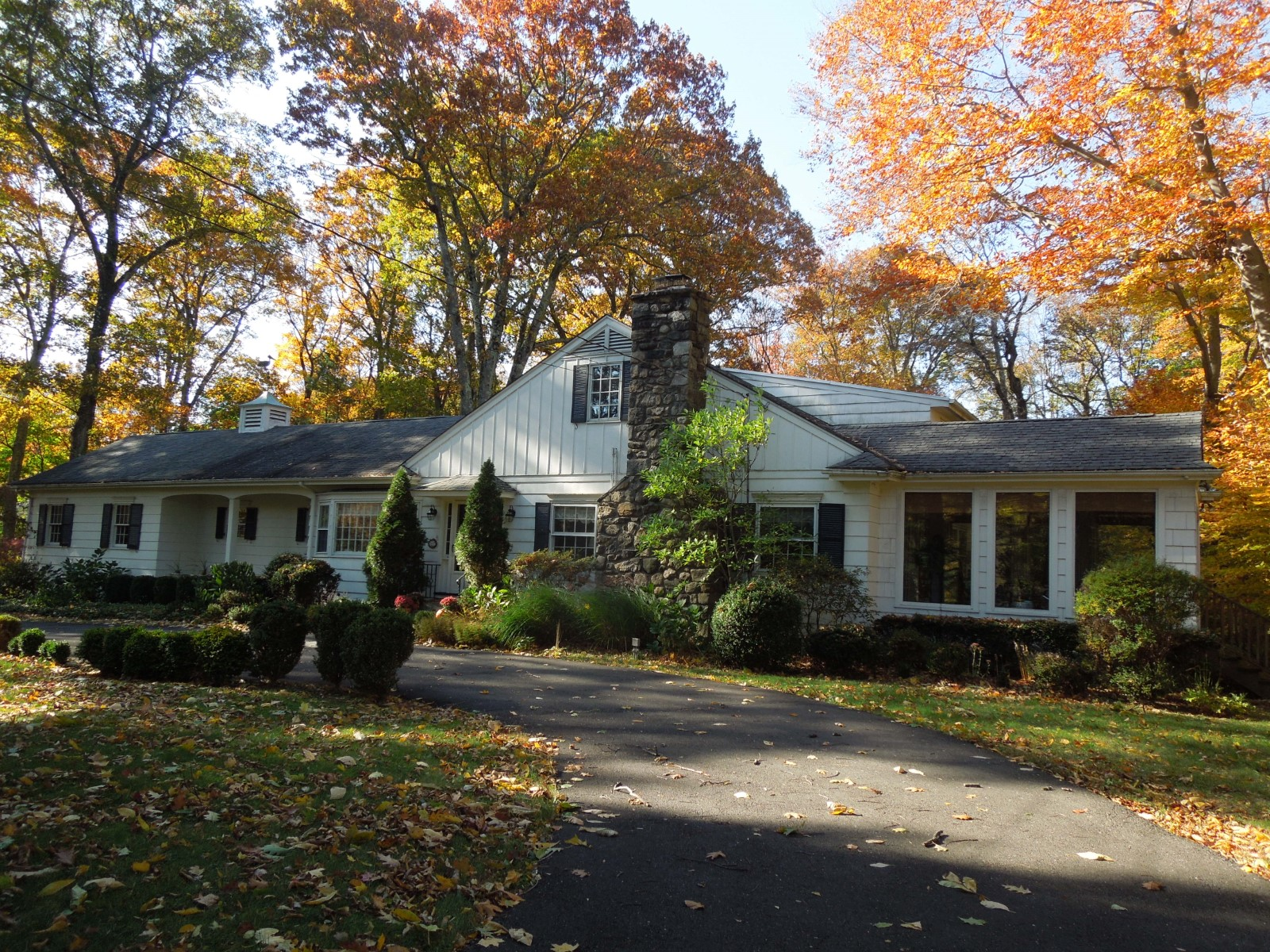 Casa para uma família para Venda às Magnificent Mid-Country Setting Central Greenwich, Greenwich, Connecticut 06830 Estados Unidos