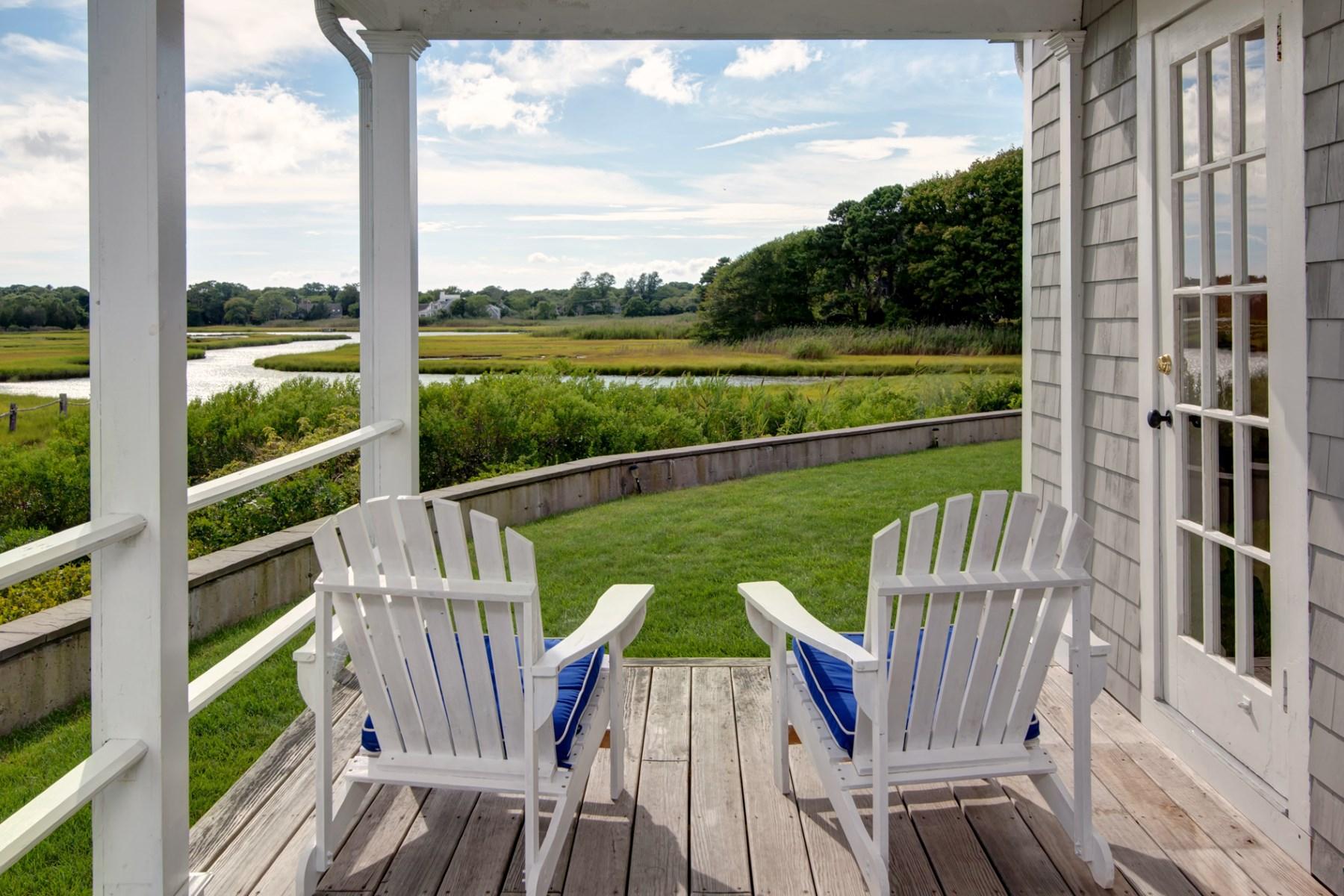 獨棟家庭住宅 為 出售 在 Craigville Waterfront 1199 Craigville Beach Road Centerville, 麻塞諸塞州, 02632 美國