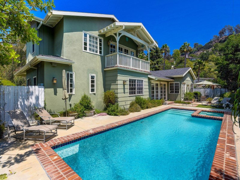 Maison unifamiliale pour l Vente à Remodeled Brentwood Traditional 761 Lockearn St Brentwood, Los Angeles, Californie 90049 États-Unis