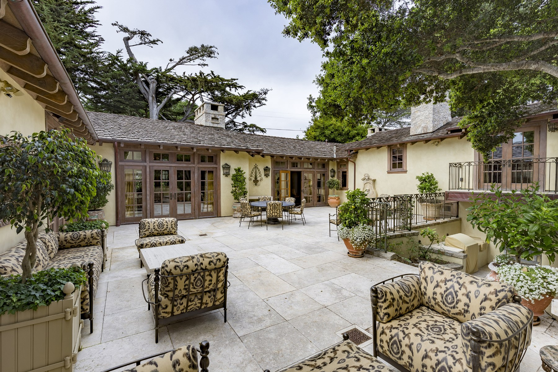 sales property at Carmel Elegance