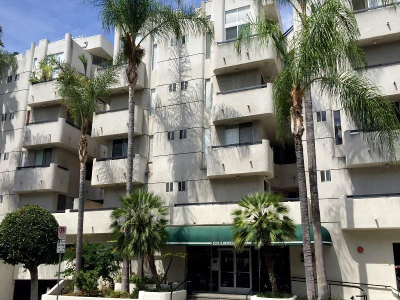 Piso por un Venta en Remodeled Unit Heart of Koreatown 525 S Berendo St Los Angeles, California 90020 Estados Unidos