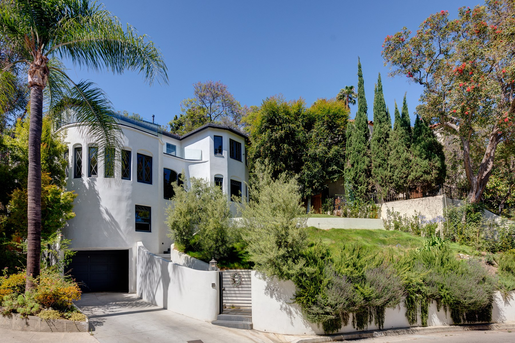 Single Family Home for Sale at 4811 Bonvue Avenue Los Feliz, Los Angeles, California, 90027 United States