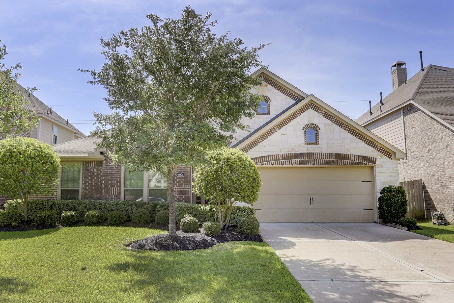 Single Family Home for Sale at 10426 Kingston Creek Lane Cypress, Texas 77433 United States
