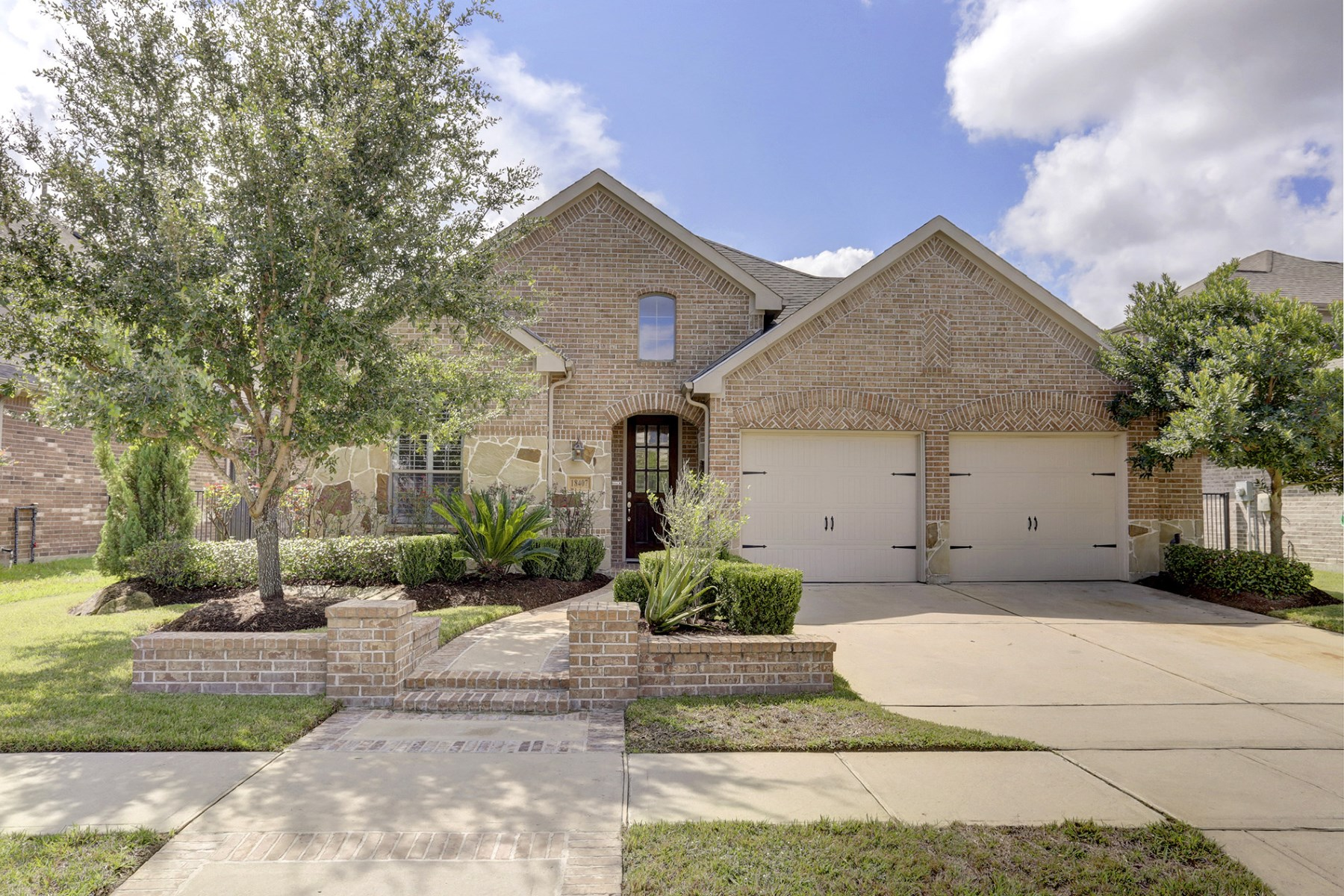 Single Family Home for Sale at 18407 Pin Oak Bend Drive Cypress, Texas 77433 United States