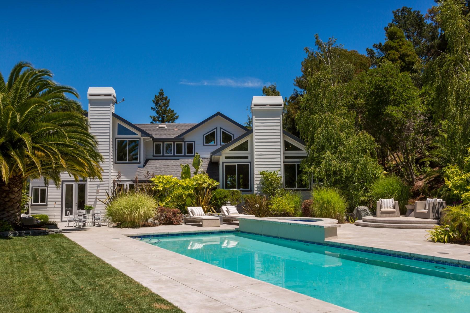 Maison unifamiliale pour l Vente à For Your Eyes Only 25 Bond Ln Tiburon, Californie, 94920 États-Unis