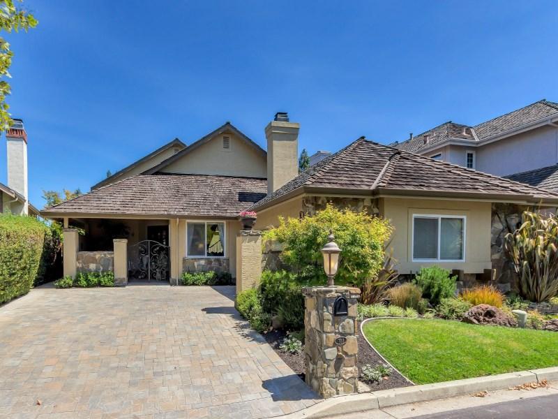 Maison unifamiliale pour l Vente à Artfully Re-Imagined Remodel 700 Blue Spruce Dr Danville, Californie 94506 États-Unis