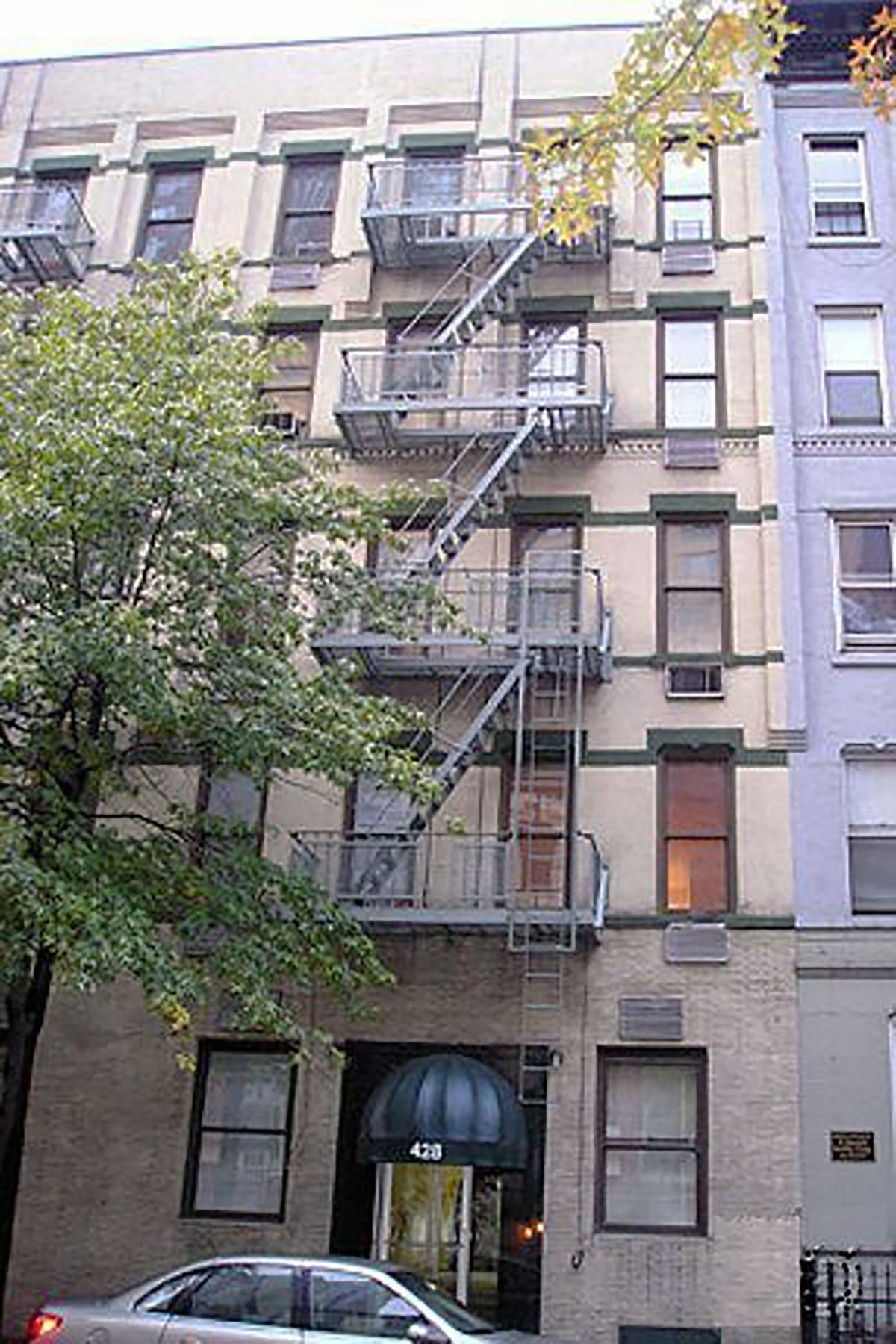 코압 용 매매 에 Investor Friendly 430 East 85th Street Apt 5D Upper East Side, New York, 뉴욕, 10028 미국