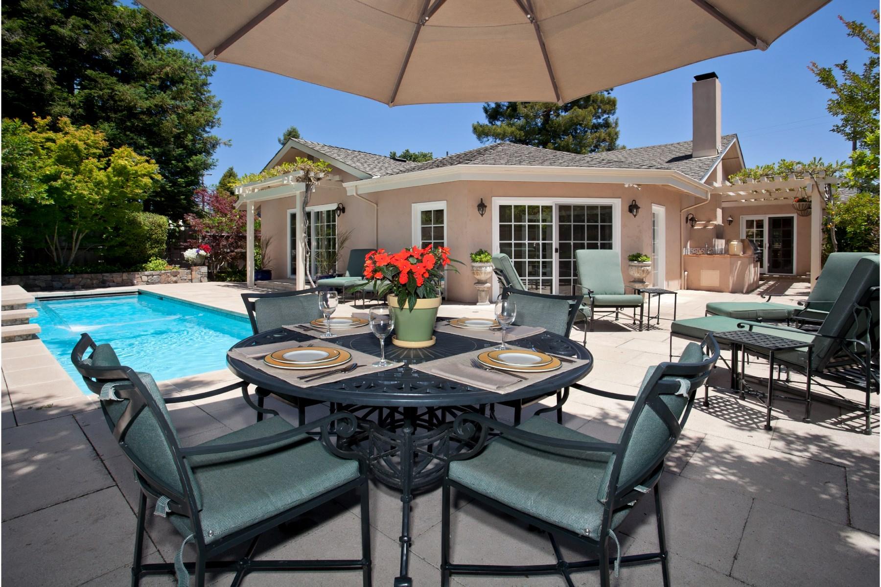 独户住宅 为 销售 在 Eastside Gorgeous 625 Oak Ln Sonoma, 加利福尼亚州 95476 美国