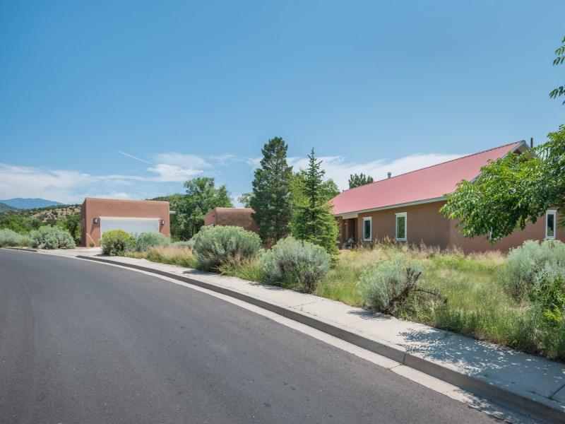 Casa para uma família para Venda às 133 Valley Drive Santa Fe, Novo México 87501 Estados Unidos