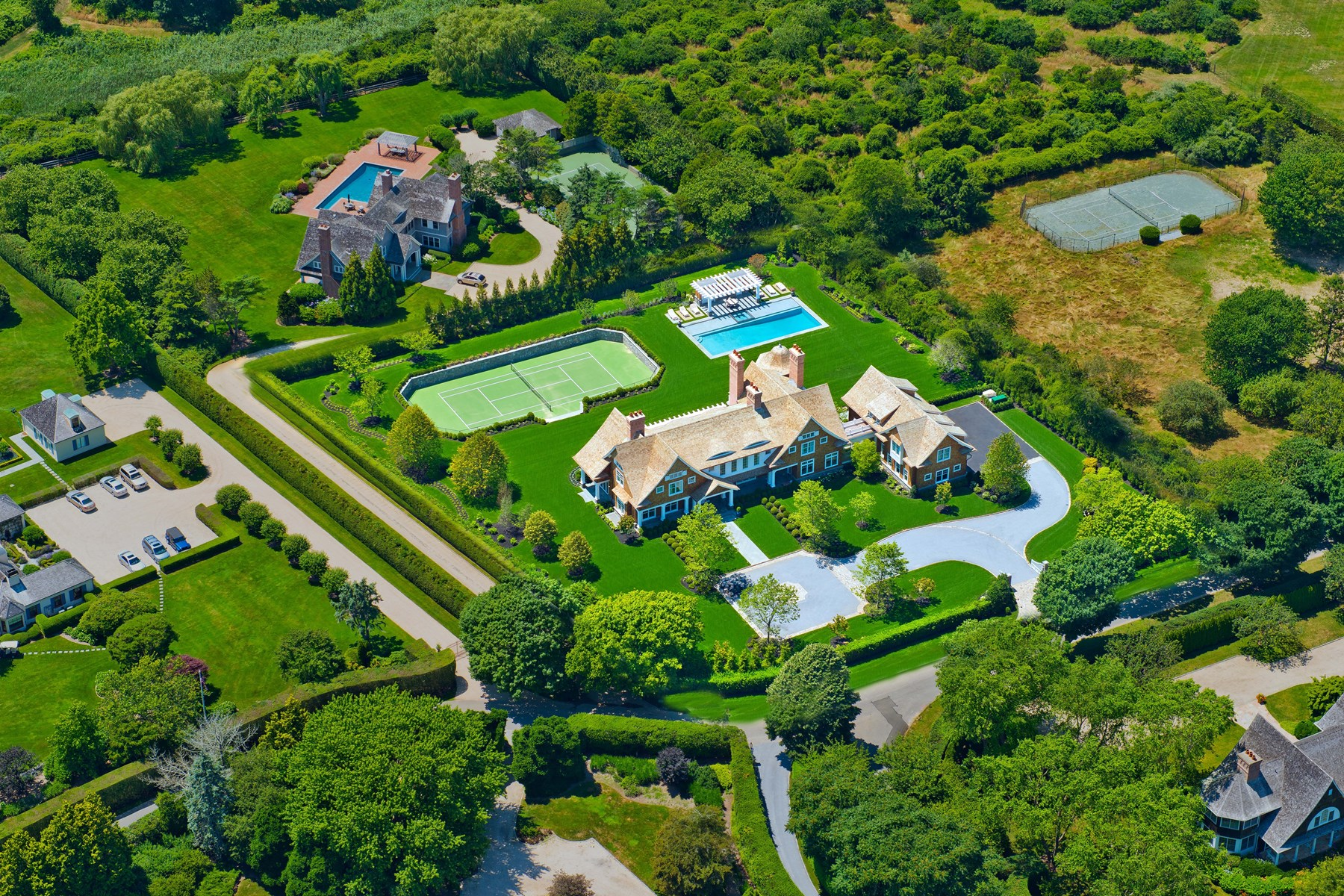 Moradia para Venda às Extraordinary Custom-Built Estate 101 Pheasant Lane Southampton, Nova York, 11968 Estados Unidos