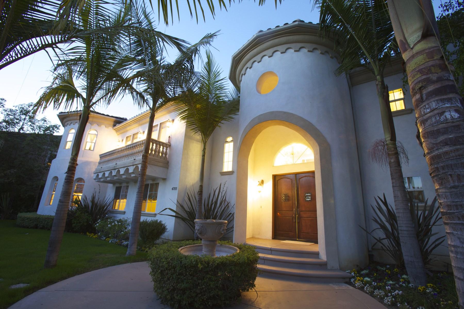 Maison unifamiliale pour l Vente à 4705 Los Feliz Boulevard Los Feliz, Los Angeles, Californie 90027 États-Unis