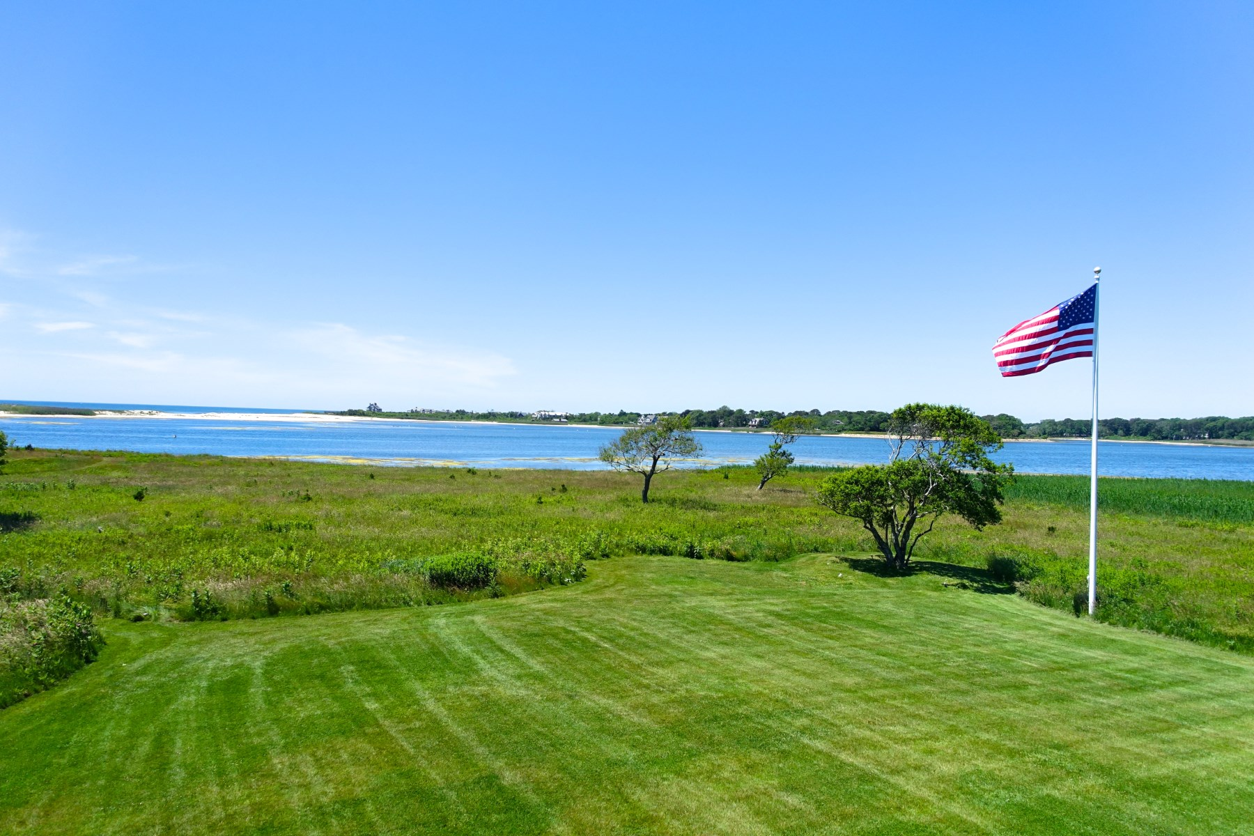 단독 가정 주택 용 매매 에 7.1 Acres On Prestigious Pond 19 & 23 Chauncey Close East Hampton Village, East Hampton, 뉴욕, 11937 미국