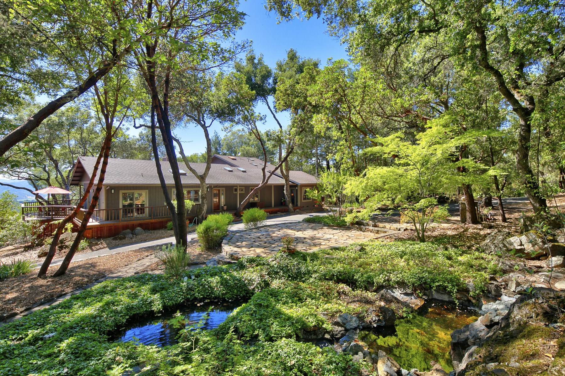 Single Family Home for Sale at Ridge Top Compound in Geyserville 3403 Ridge Oaks Road Geyserville, California 95441 United States