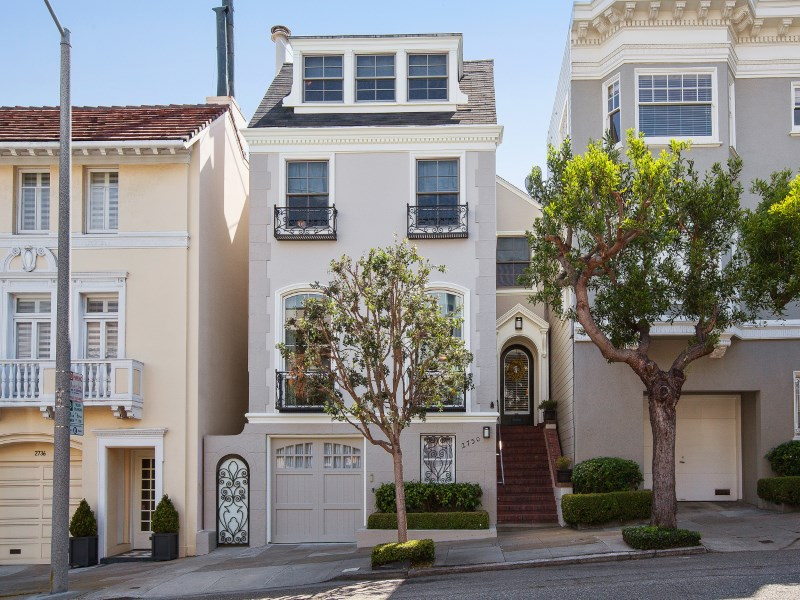 Single Family Home for Sale at 2730 Broderick Street San Francisco, California 94123 United States