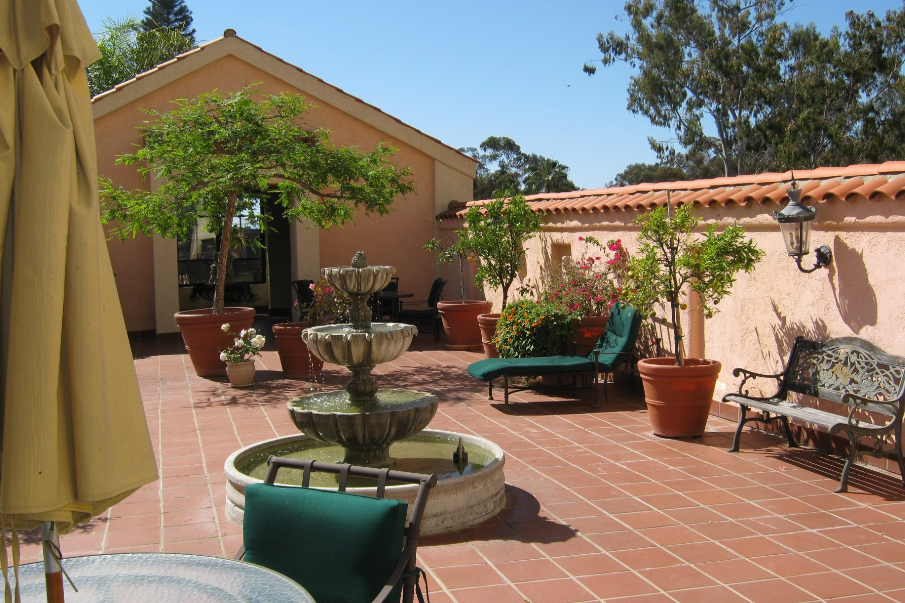sales property at Exquisite Montecito Condo