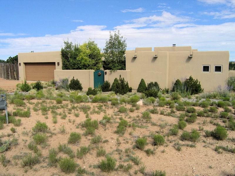Maison unifamiliale pour l Vente à 18 Tarro Road Eldorado, Santa Fe, New Mexico 87508 États-Unis