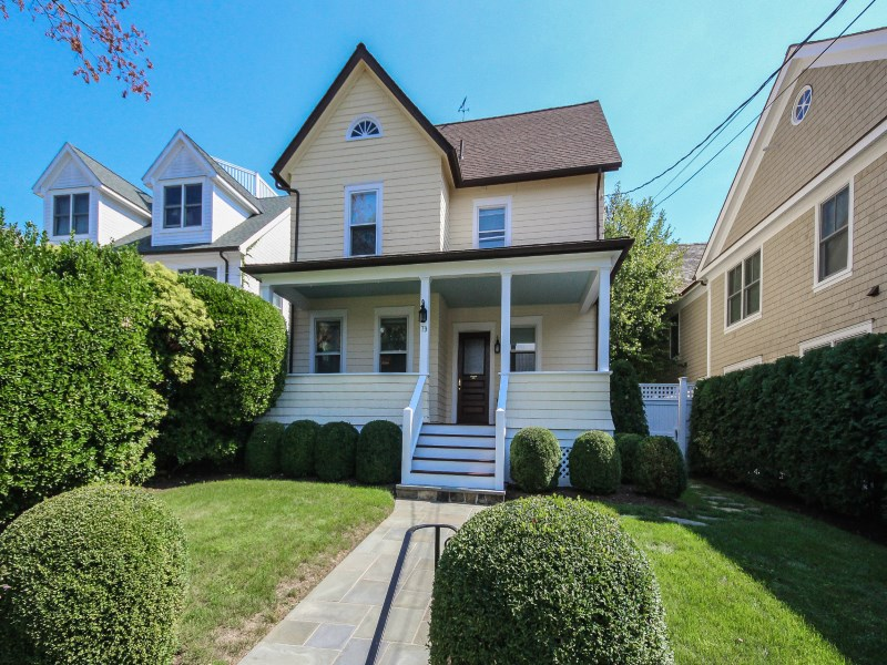 Single Family Home for Sale at In-Town Living 79 Connecticut Avenue Central Greenwich, Greenwich, Connecticut 06830 United States