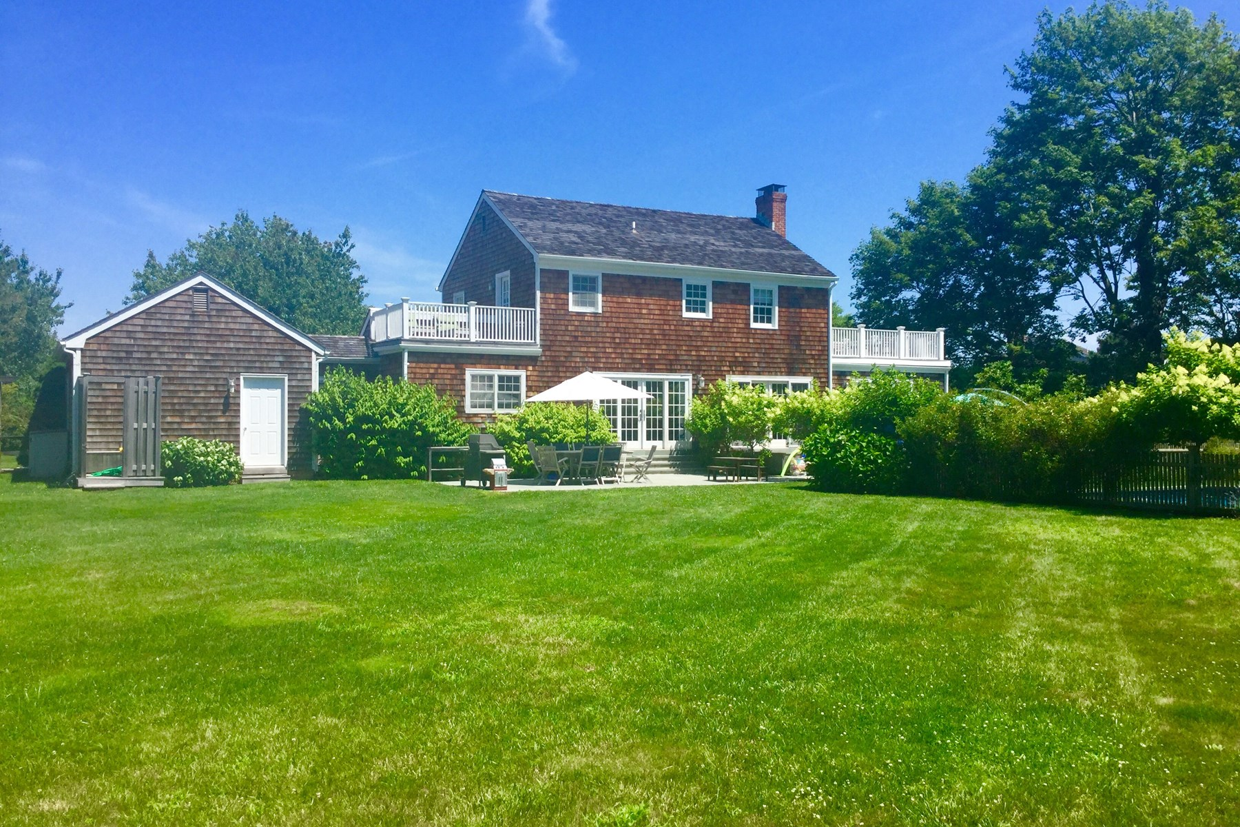 Casa Unifamiliar por un Venta en The Hamptons' Best Kept Secret 15 Ludlow Green Bridgehampton North, Bridgehampton, Nueva York, 11932 Estados Unidos