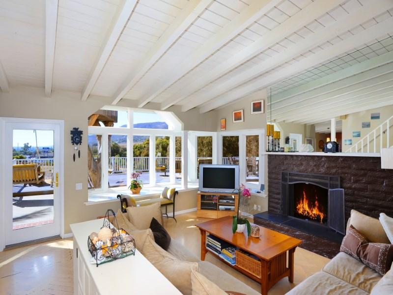단독 가정 주택 용 임대 에 Malibu Park Ocean View Home 6403 Surfside Way Malibu, 캘리포니아 90265 미국