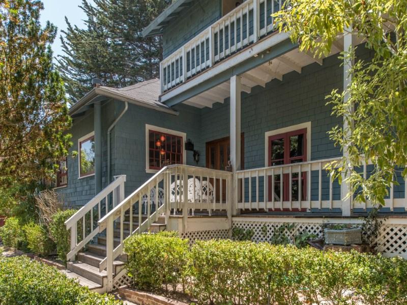 一戸建て のために 売買 アット Grand Victorian with a Story to Tell 817 Martin St Monterey, カリフォルニア 93940 アメリカ合衆国